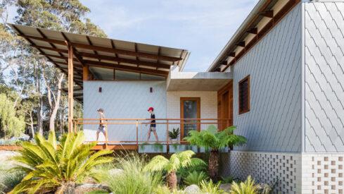 Katherine Lu Photographs a Zinc Clad House on the Tomaga River