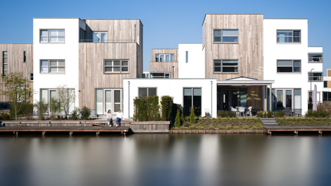 The Benefits of Including People in Architectural Photography
