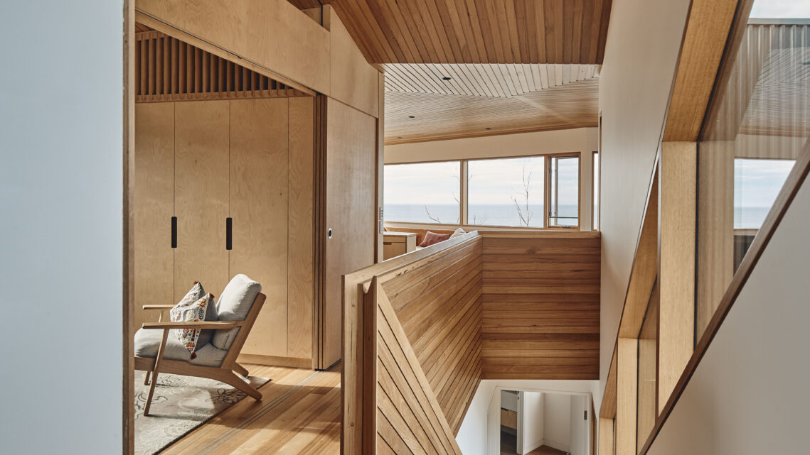 Peter Bennetts Photographs A Coastal House Built to Withstand Fires and Landslides